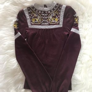 FREE PEOPLE EMBROIDERED TOP SIZE XS